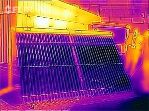 Thermal image of 2 x 30 tube Thermomax evacuated tube panels.